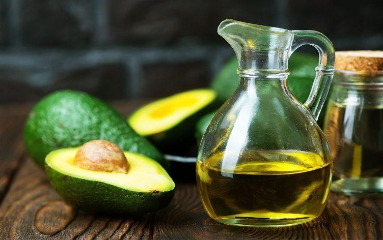 Uleiul de avocado – tratament intensiv pentru par si piele