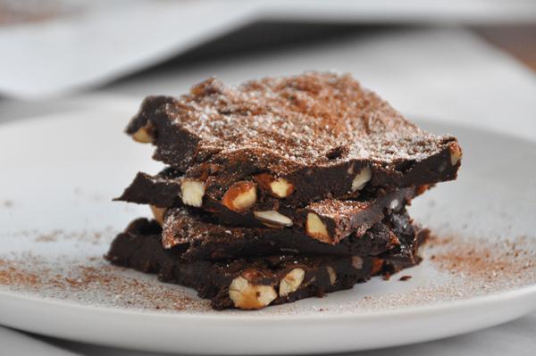 Reteta – Prajitura cu cacao raw vegana