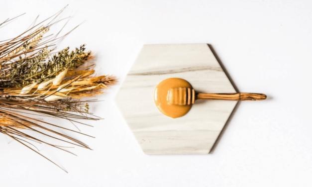 44 de utilizari ale mierii de Manuka
