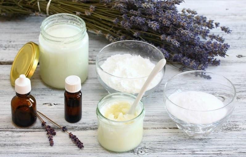 Deodorant natural facut in casa: 2 reţete cu pudră de alaun