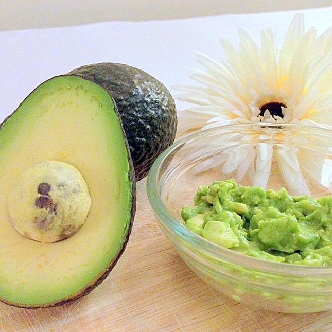 masca de fata cu avocado