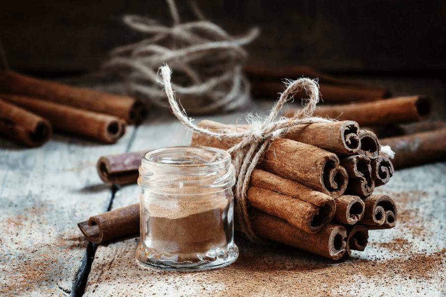 Cum deosebesti mirodeniile: scorțișoara Cassia vs. scorțișoara Ceylon.
