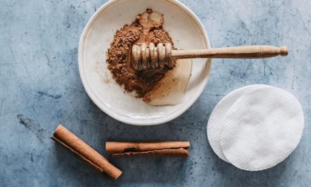 Mască cu miere de Manuka pentru ten gras și acneic