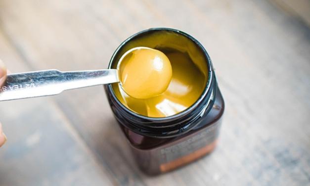 Ce spun vedetele despre mierea de Manuka?