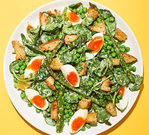Salată de mazăre și sparanghel