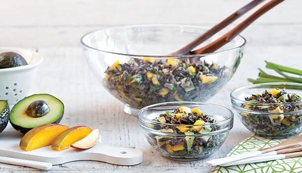 Salată cu orez sălbatic